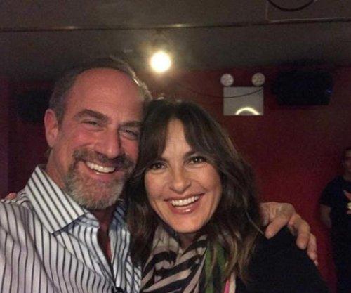 Mariska Hargitay, Christopher Meloni reunite ahead of holidays
