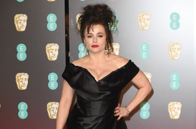 'The Crown': Helena Bonham Carter is Princess Margaret in new photo