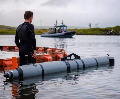 U.S. Navy tests unmanned underwater vehicles in Arctic exercise