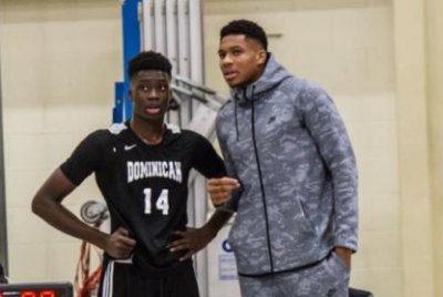 Alex Antetokounmpo, youngest brother of Giannis, skipping college to play in Europe