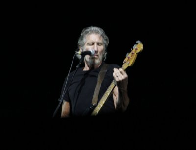 Roger Waters completes 'The Wall' N. American tour
