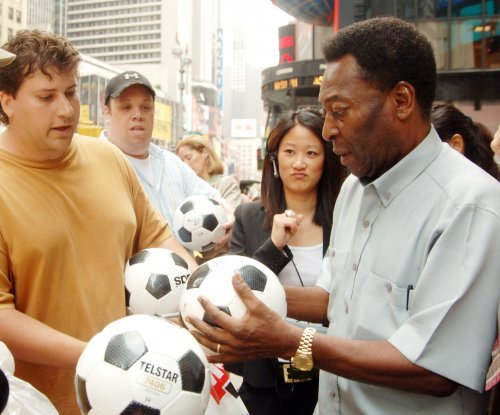 Soccer legend Pele hospitalized