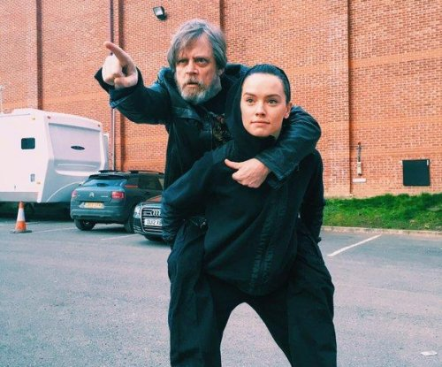 Mark Hamill celebrates 'Star Wars' co-star Daisy Ridley's birthday