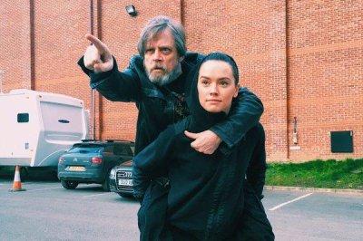 Mark Hamill celebrates 'Star Wars' co-star Daisy Ridley's birthday