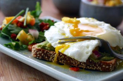 Timing of meals may influence recovery from heart attack