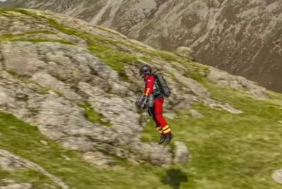 Emergency responders test out 'jet suit paramedic' gear in Britain