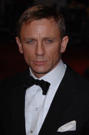 New 007 book sets Penguin sales record