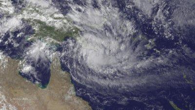 Cyclone Ita strikes northwestern Australia