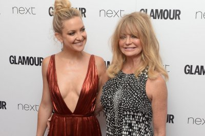 Kate Hudson celebrates mom Goldie Hawn's 70th birthday