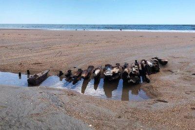 100-year-old shipwreck remains wash up on North Carolina coast