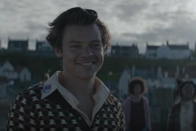 Harry Styles befriends fish in 'Adore You' music video