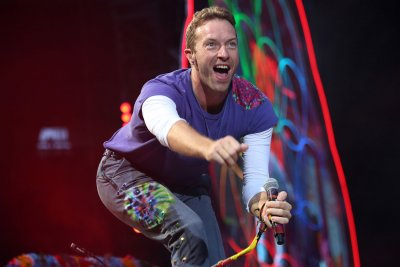 Coldplay goes back to school in video for 'Champion of the World'