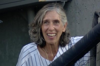 Yankees honor bat girl's request 60 years later