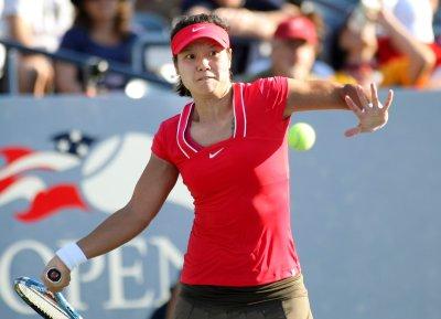 Li wins first-round match in Sydney