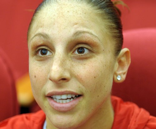 Diana Taurasi to skip 2015 WNBA season after Russians offer her more money