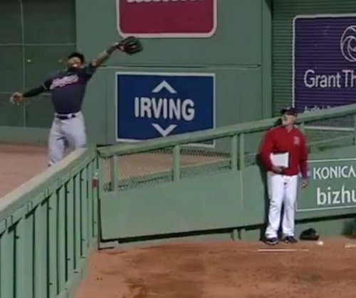 Cleveland Indians' Austin Jackson robs home run for Catch of the Year nominee