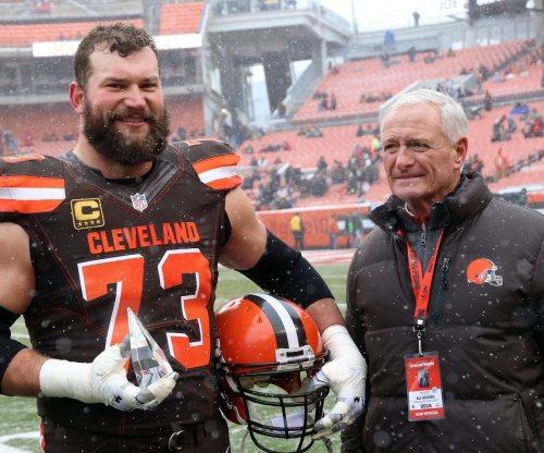 Joe Thomas: Cleveland Browns star shares heartfelt letter from service member