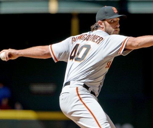 Giants, A's begin Bay Area series