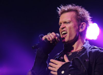 Billy Idol plays for man's birthday party
