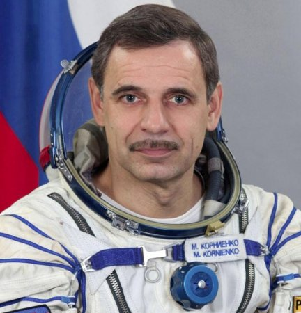 Pair chosen for 1-year space station stay