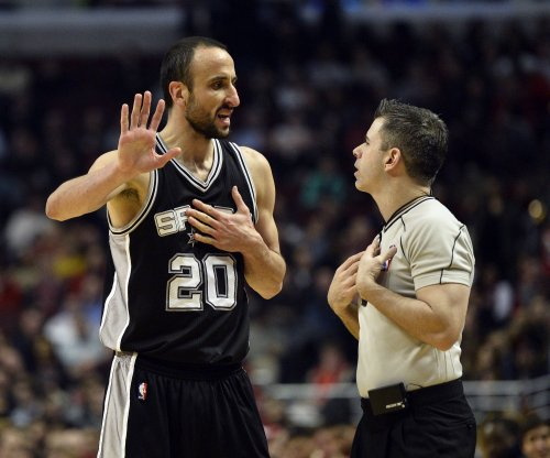 San Antonio Spurs beat short-handed Sacramento Kings
