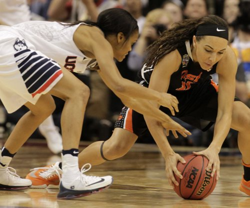 UConn loses guard but cruises into NCAA final