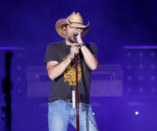 Jason Aldean, Keith Urban and others share message of hope at CMT event