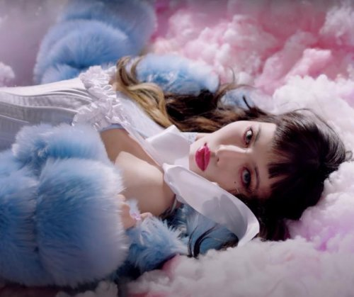 Hyuna returns in 'I'm Not Cool' music video teaser