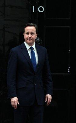 Cameron wants sanctions eased on Myanmar