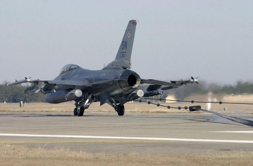 F-16, Cessna planes collide midair in South Carolina, killing two