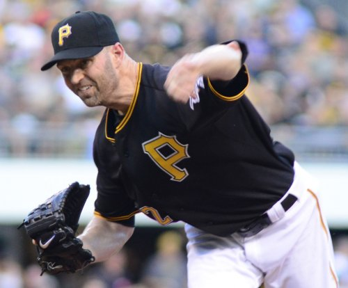 J.A. Happ, Pittsburgh Pirates shut down Arizona Diamondbacks
