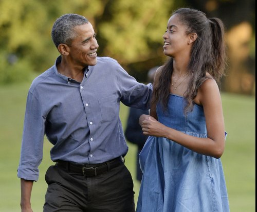 Malia Obama seen near possible beer pong game