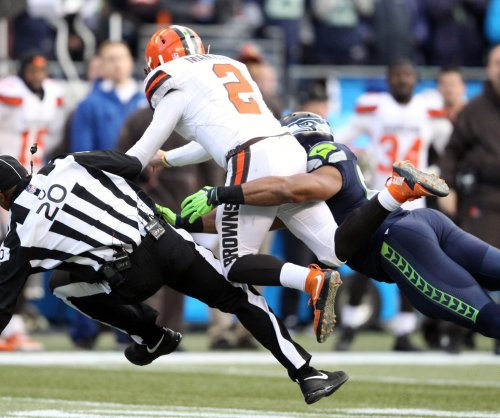 Seattle Seahawks: Michael Bennett back, but still pushing for a raise
