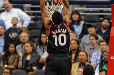 DeMar DeRozan leads Toronto Raptors past Dallas Mavericks