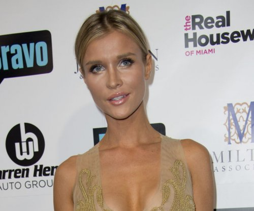'Real Housewives' alum Joanna Krupa finalizes divorce