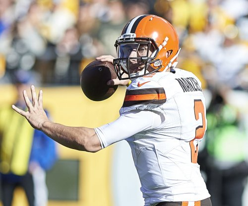 Johnny Manziel: Representatives from 13 teams watch former NFL QB throw