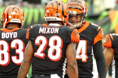 Struggling Bengals turn to backup QB against Broncos