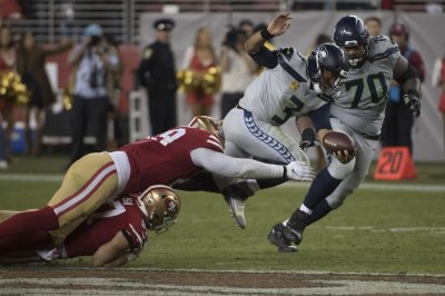 Seattle Seahawks bringing back All-Pro guard Mike Iupati