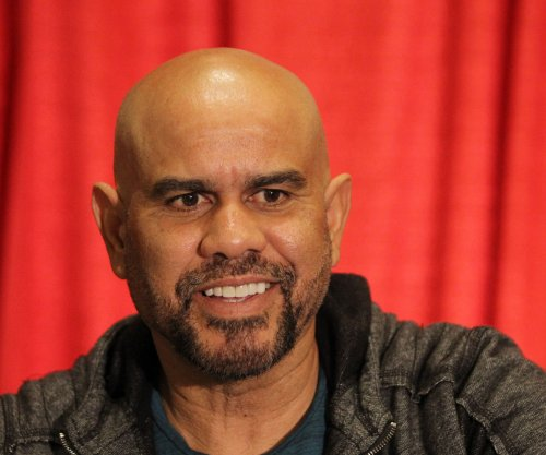 St. Louis Cardinals 3B coach Jose Oquendo taking medical leave