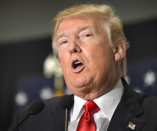 Donald Trump disavows support of pro-Trump super PAC