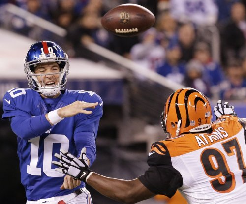 Eli Manning throws three TD passes in New York Giants' win