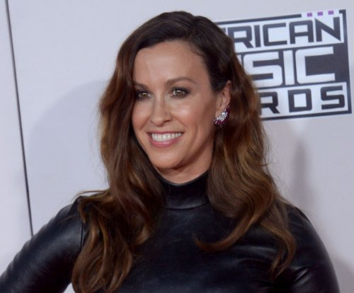 Manager admits to embezzling $4.8M from Alanis Morissette