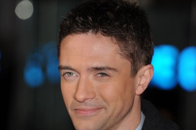 Topher Grace engaged to Ashley Hinshaw