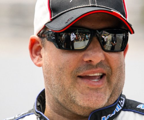 Tony Stewart to retire after 2016, Clint Bowyer named replacement