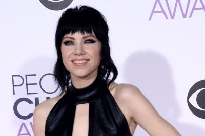 Carly Rae Jepsen debuts new collaborative track 'Love Me Like That'