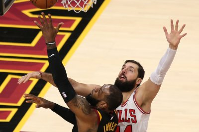 LeBron James, Cleveland Cavaliers halt Chicago Bulls' seven-game winning streak