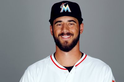 Washington Nationals acquire Kyle Barraclough from Miami Marlins