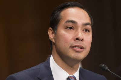 Julián Castro touts HUD, mayoral experience in run for president