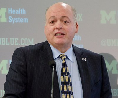 Ford President, CEO Jim Hackett to retire in October