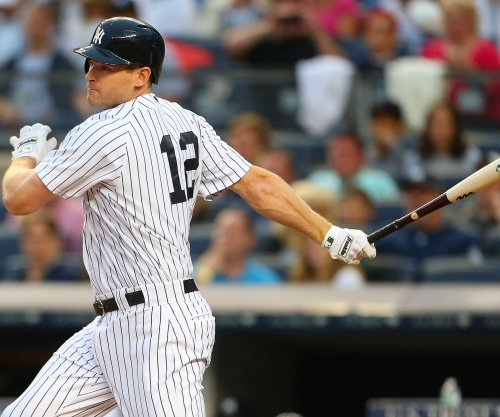 New York Yankees hold on in Houston, beat Astros